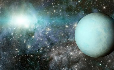 What do Uranus's cloud tops have in common with rotten eggs?